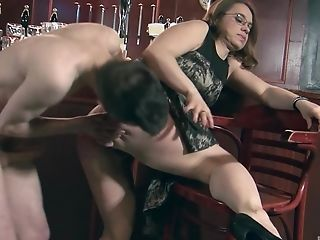 Bar, Bra, Couple, Doggystyle, Fingering, Flexible, Glasses, Hardcore, Housewife, Licking,