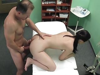 Amateur, Clinic, Doctor, Examination, From Behind, Hospital, Medical, Reality, White,